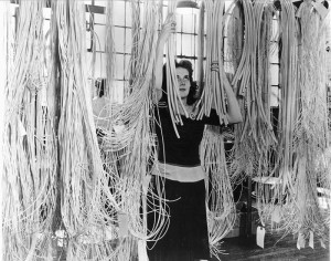 8.018-PREPARING-WIRES-FOR-WIRE-HARNESSES-FOR-B-29-FUSELAGE-SECTIONS-HUDSON-FACTORY-DETROIT-ACWP